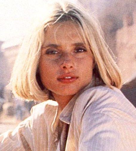 Maryam d'Abo est Kara Milovy (1987) - Tuer n'est pas jouer (The Living Daylights)