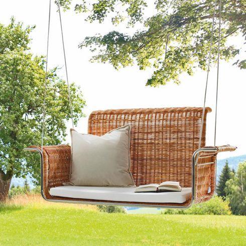 attraktiver h ngesessel aus rattan zum schaukeln und tr umen einrichtungsideen m bel. Black Bedroom Furniture Sets. Home Design Ideas