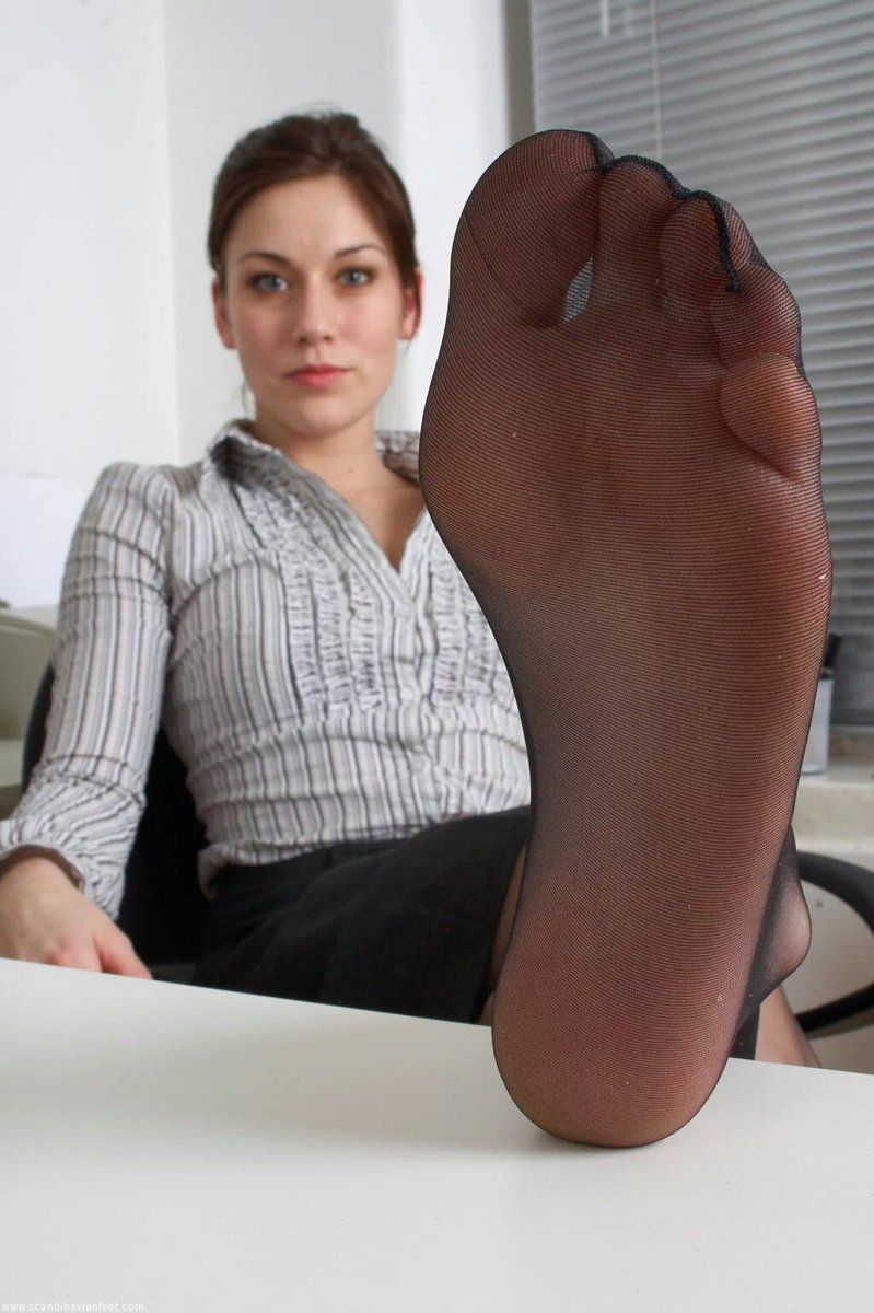 Pin by luca on kiss me pinterest pretty toes female feet and