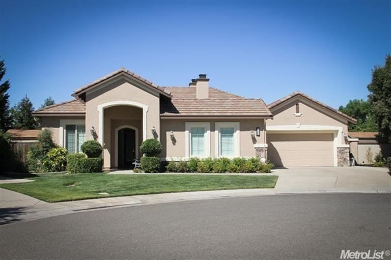 9864 Gianna Ct Elk Grove Ca 95757 Estate Homes Custom Garage Cabinets Real Estate
