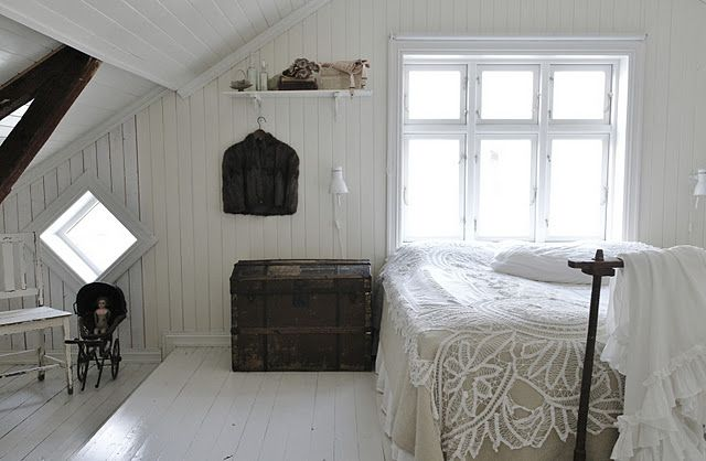Love this rustic romantic room...