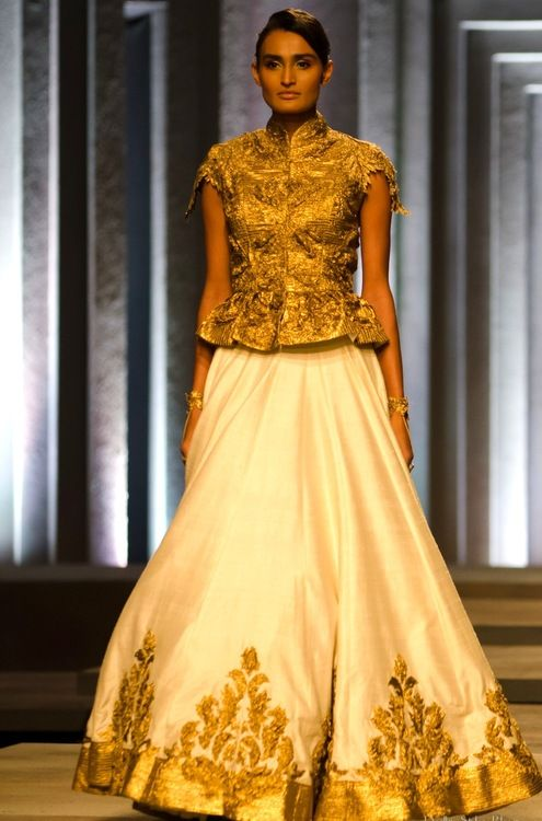 Classic gold and ivory combination #ShantanuNikhil