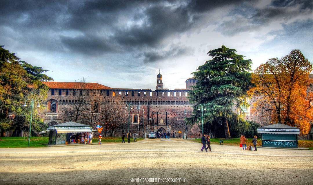 #Milano #igersmilano #instamilano #instaitalia #igersitalia #ig_milano #milanodavedere #milano_go #milano_city #italian_places #italian_trips #volgolombardia  #travelgram #volgomilano #milano_forever#italiainunoscatto #design #art #ig_nature #ig_city #photos #foto_italiane #loves_lombardia #loves_madeinitaly #loves_urban #milano_in #lombardia_super_pics by stefanobrunettiphotography