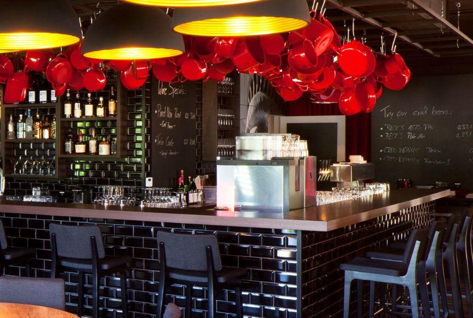 7 memorable restaurant interior design projects in germany for Restaurant interior design inspiration