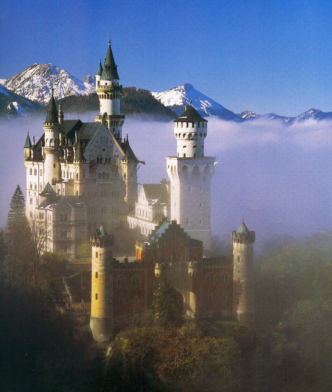 Neushwanstein Castle Baviera Germany