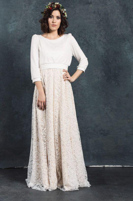Weicher Brautpulover in creme zum Brautkleid | Hochzeitskleider ...