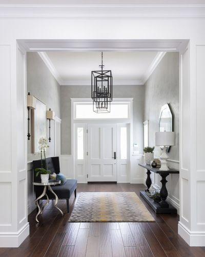 elegante einrichtungsideen im landhausstil f r den eingangsbereich flur foyer. Black Bedroom Furniture Sets. Home Design Ideas