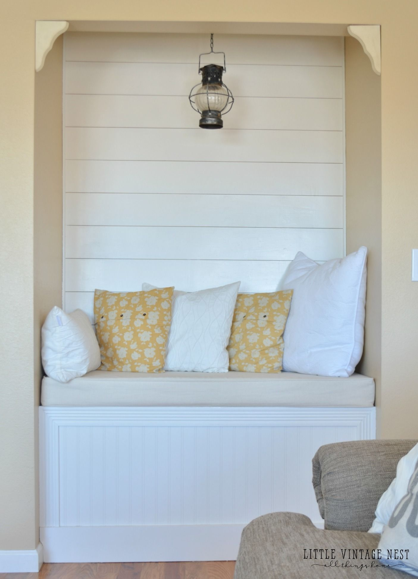 DIY Reading Nook with Planked Walls | Reading nooks, Farmhouse style ...