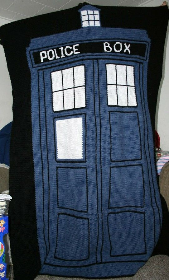 Crochet TARDIS blanket. No pattern but I\'m pinning this for ...