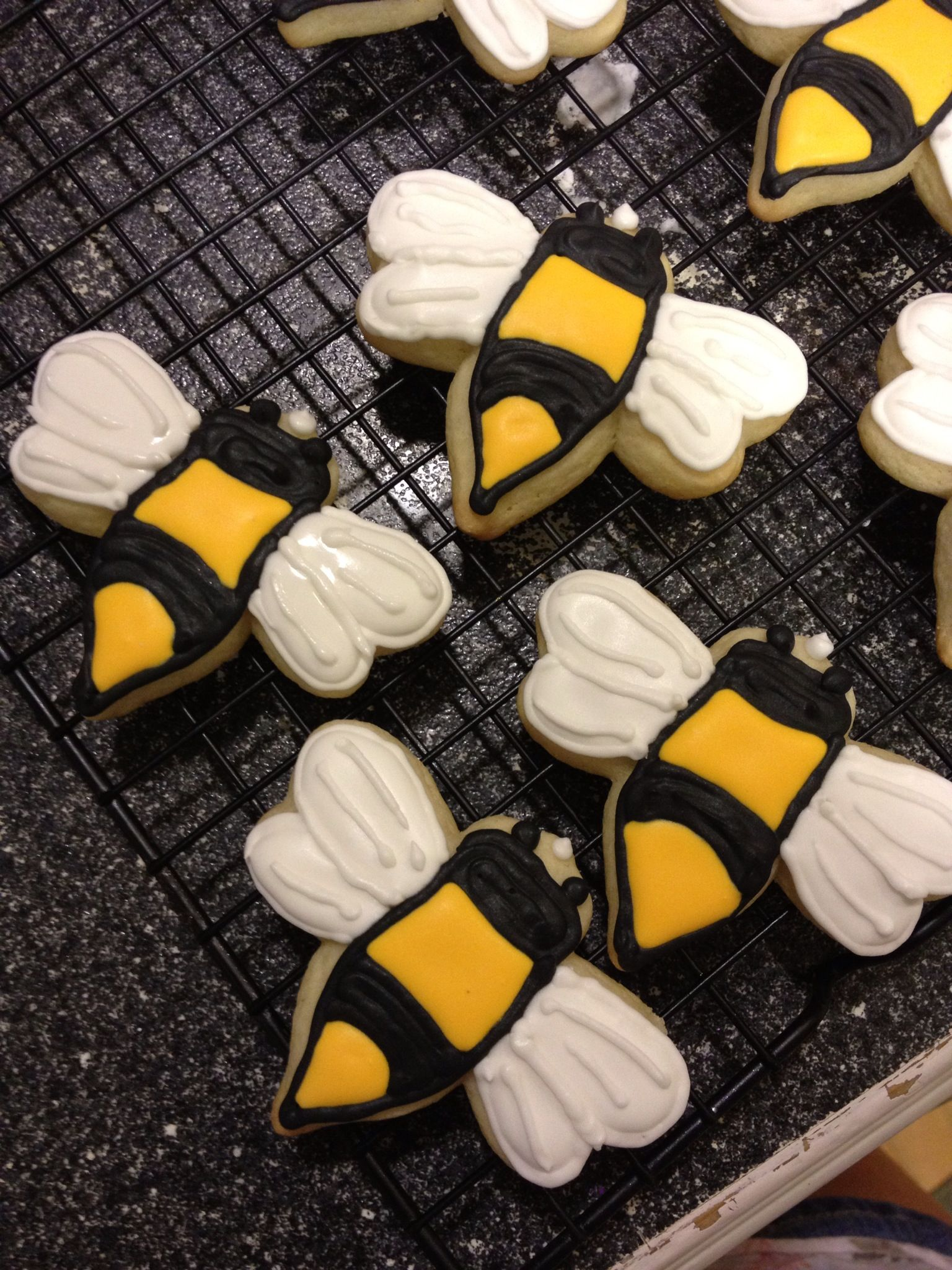 Bumble Bee Cookies Honey Recipes Holiday Cooking