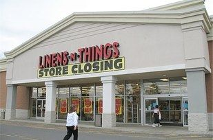 Do You Remember These Long Gone '00s Retail Stores? | Closed