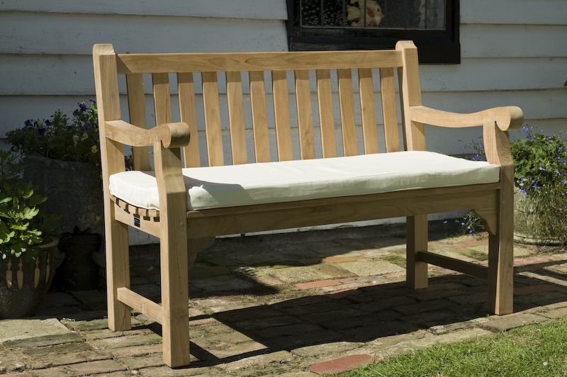 5ft bench cushion designed to fit our ranges of 3 seat garden benches with a small - Outdoor Bench Cushion