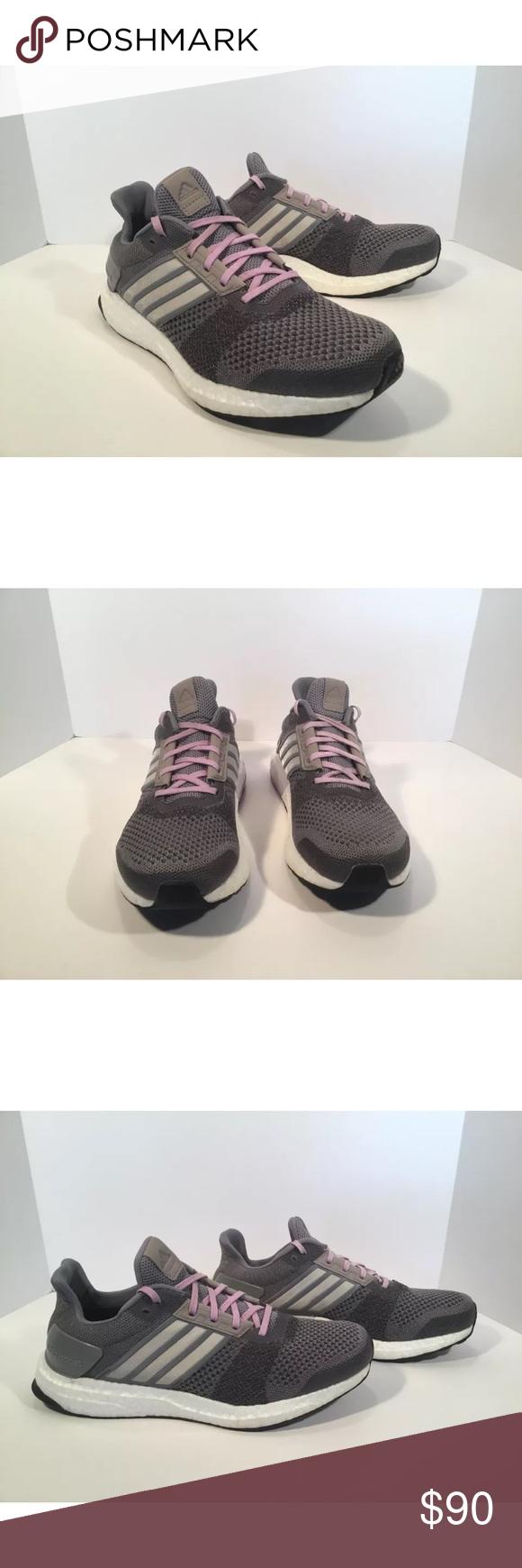 Adidas ultra Boost st tema detalles: marca Adidas en gran