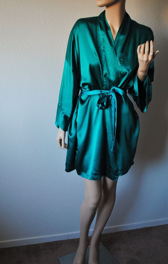 Vintage Emerald Green Silk Short Robe - by Lasoie - One Size Fits most by LingerieAddicts on Etsy