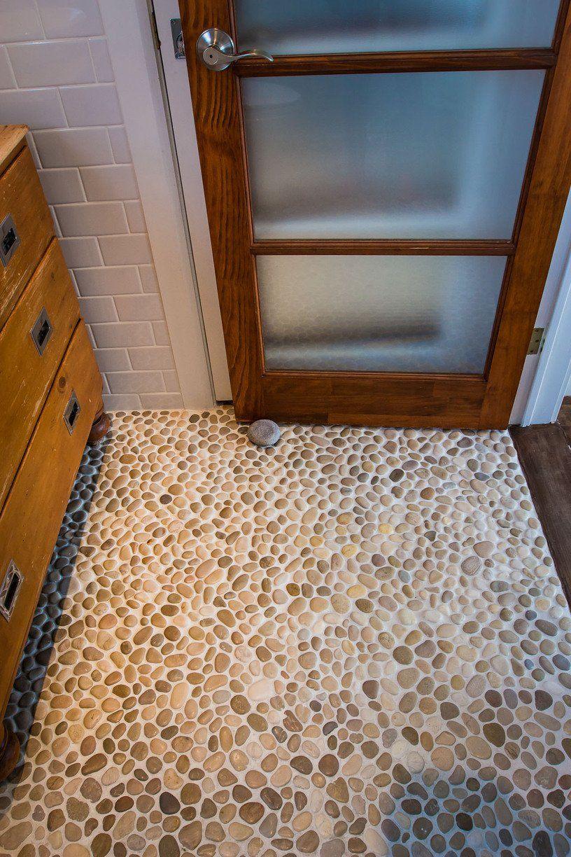 Tracey & Rob's Beach Oasis Pebble floor, Beach bathrooms