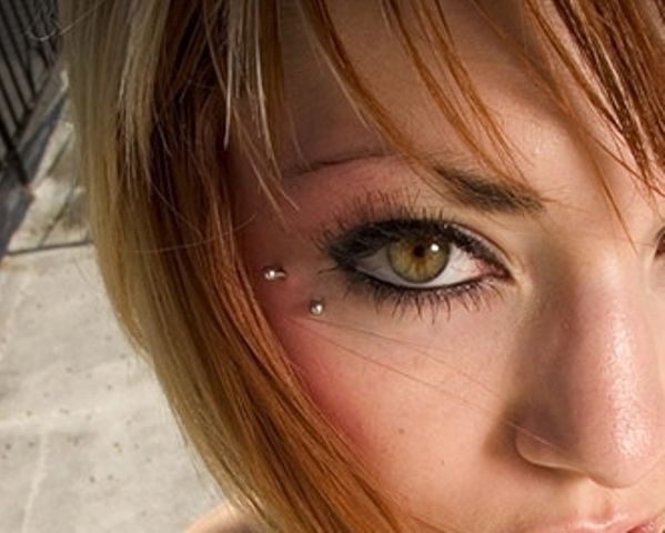 Anti-eyebrow piercing - I have a friend that has this done and it looks so cute.