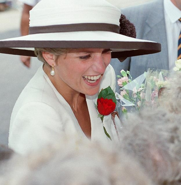Princess Diana glows in a rare photo shared by best friend #princessdiana