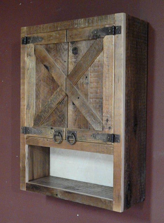 Barnwood Toilet Cabinet Crossbuck Style Avec Images Meuble En Bois Rustique Mobilier De Salon Grange En Bois