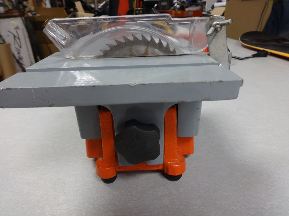 Table Saw Mini 4 Chicago Electric Item 93211 For Small Jobs