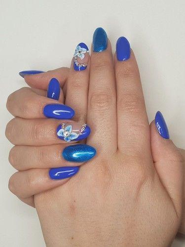 #fellingblue #mondayblues #bluenails #nailart #manicure #perfectnails