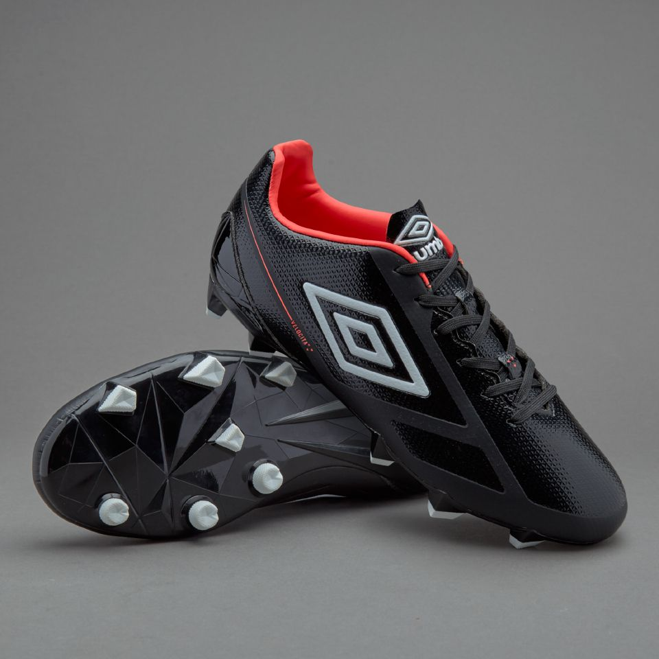 Fashion style Cleats Umbro black for woman