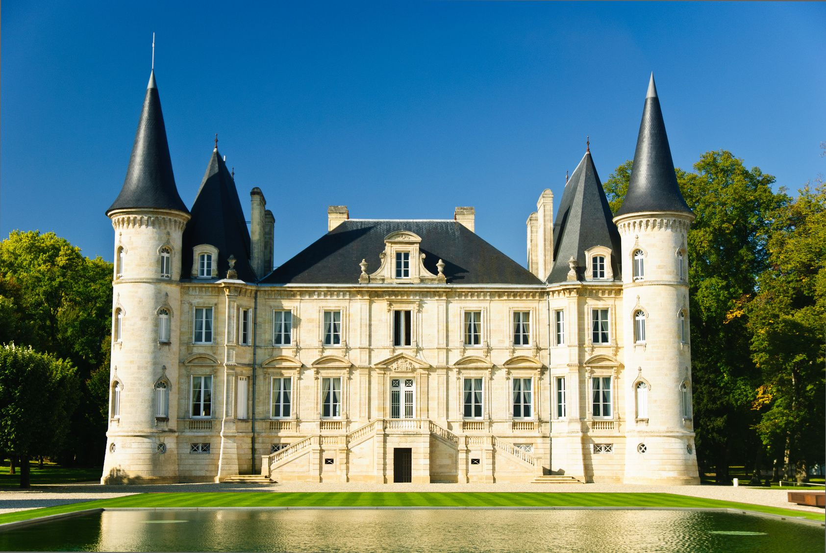 Pin Damion Cera Single Family Home French Chateau