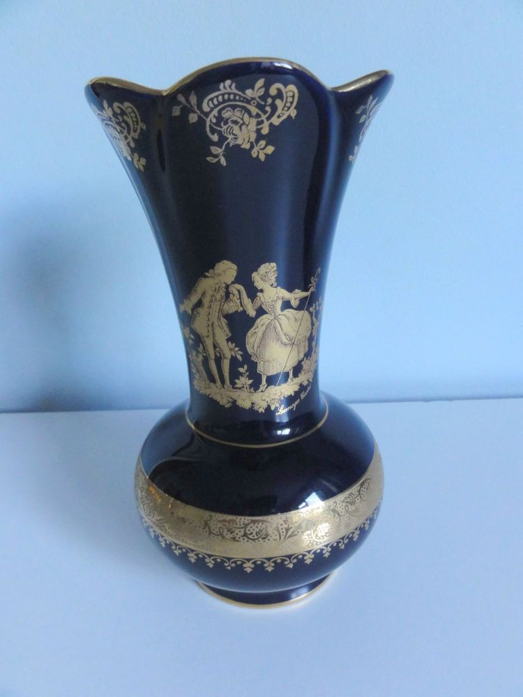 Limoges Castel France 22k Gold Vase Cobalt Blue Mint 7 Tall Lovers