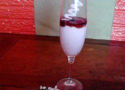 Mousse de Chocolate Blanco y Vodka de Arándano