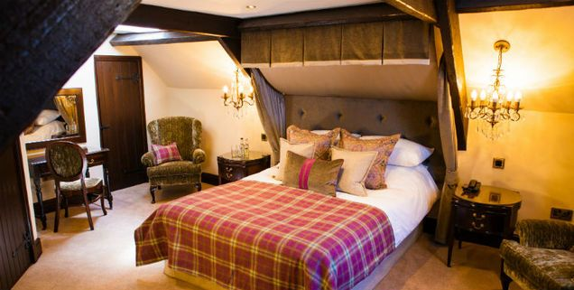 Luxury Hotel In The Heart Of Brecon Beacons Bear Crickhowell Welsh Rarebits
