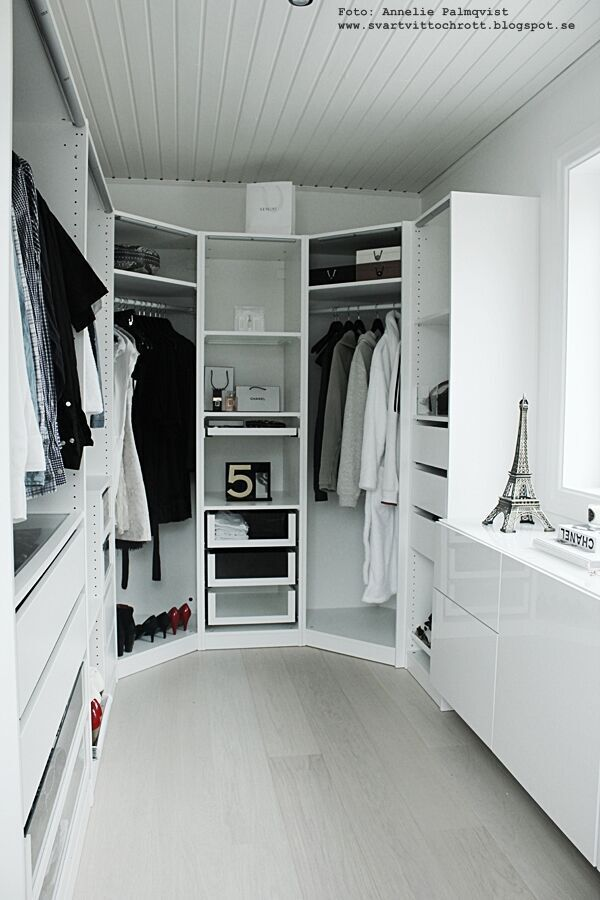 walk in closet, före och efterbilder, före, efter, renovering, renovera, renoverad, renoverade