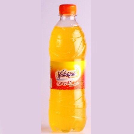 Bibita in bottiglie personalizzate. Vari gusti disponibili. Etichetta personalizzabile in quadricromia