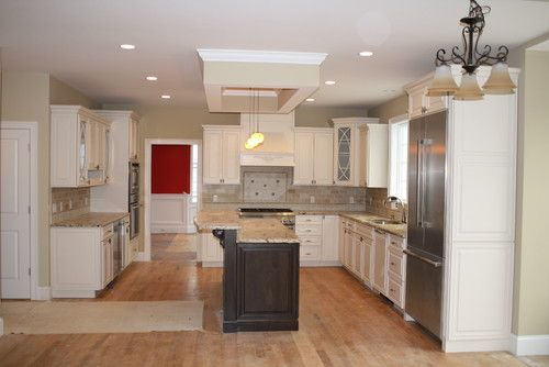 Kitchen with Omega Dynasty cabinets and granite ...