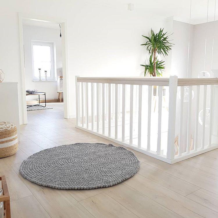 Selina Auf Instagram Einen Guten Start In Die Woche Flur Galerie Luftraum Obergeschoss Galerielampen Trepp Treppe Haus Obergeschoss Flur Hausflur