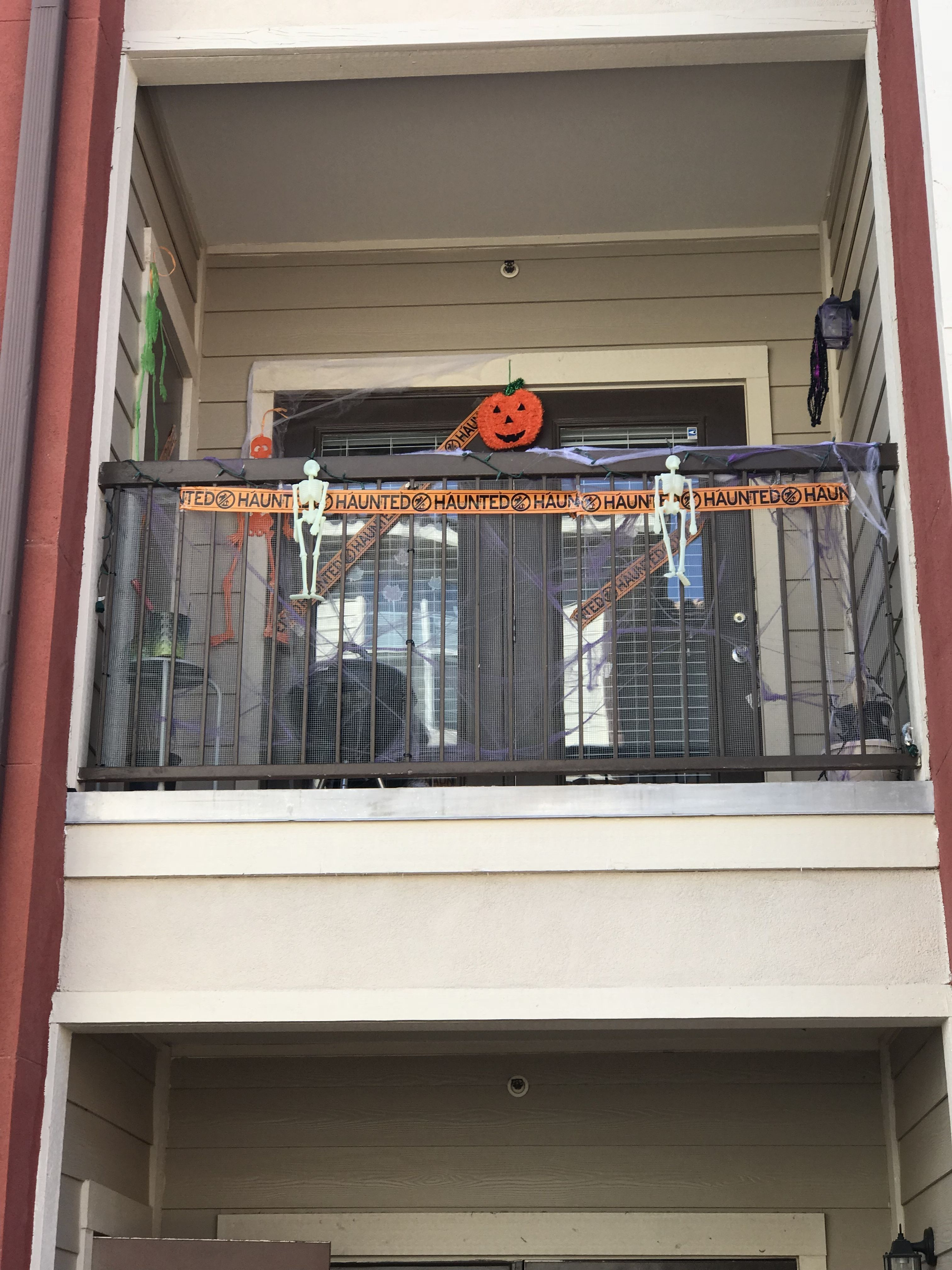 30 amazing halloween ideas for apartment balcony halloween rh pinterest com
