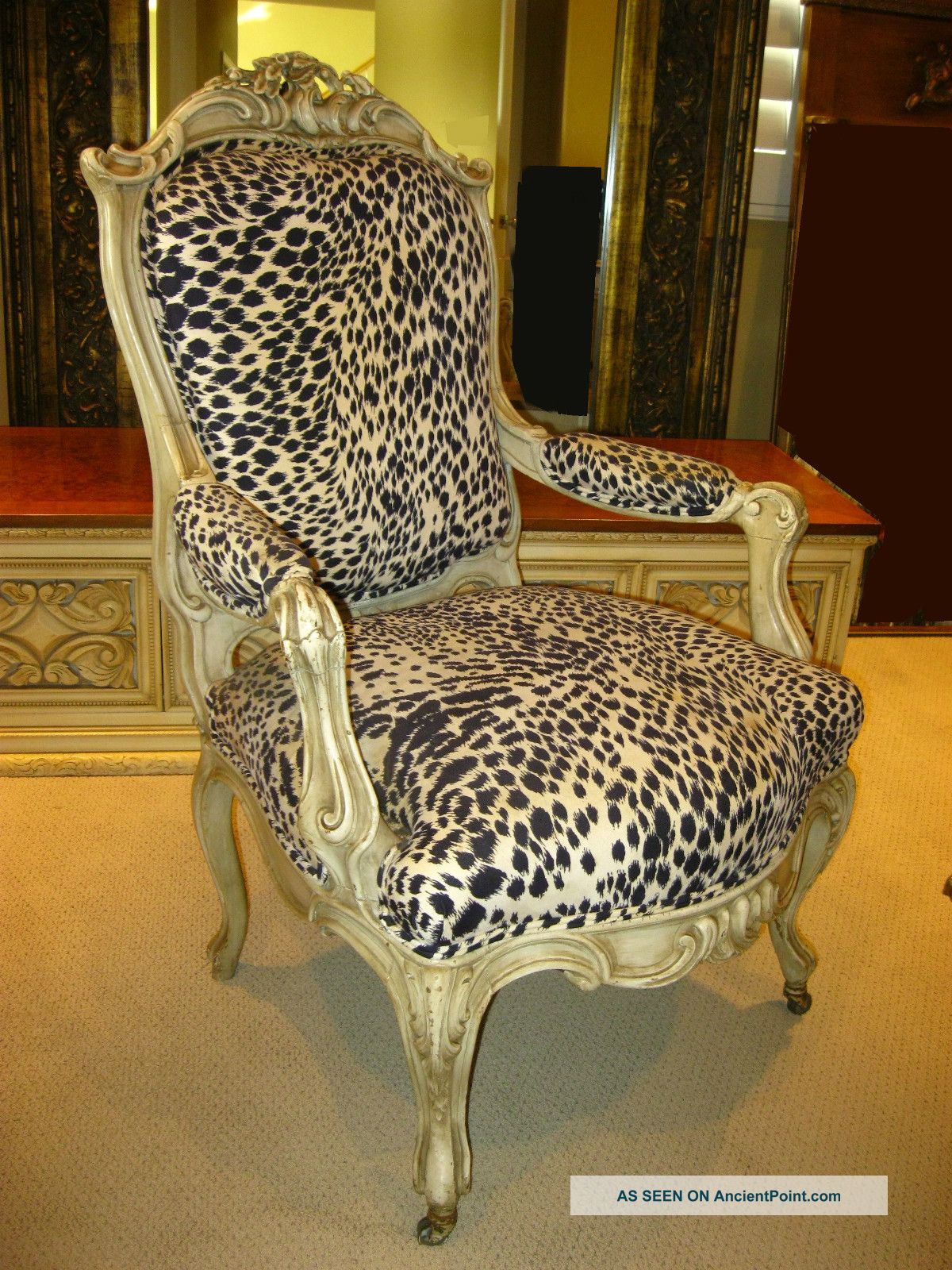 Best French Provincial Hollywood Regency White Leopard Print 640 x 480