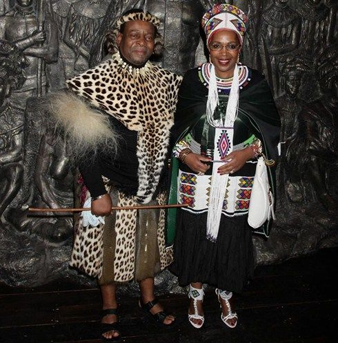 King Zwelethini and Ndlovukazi (literally 'She-Elephant', meaning Queen)  Mantfombi | Black king and queen, African inspired fashion, African royalty