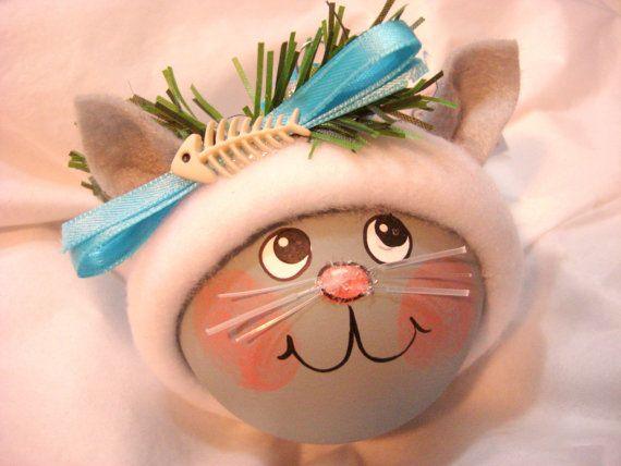 Gray cat christmas gift ornaments tuna can hand painted for Formulaire po ae artisanat