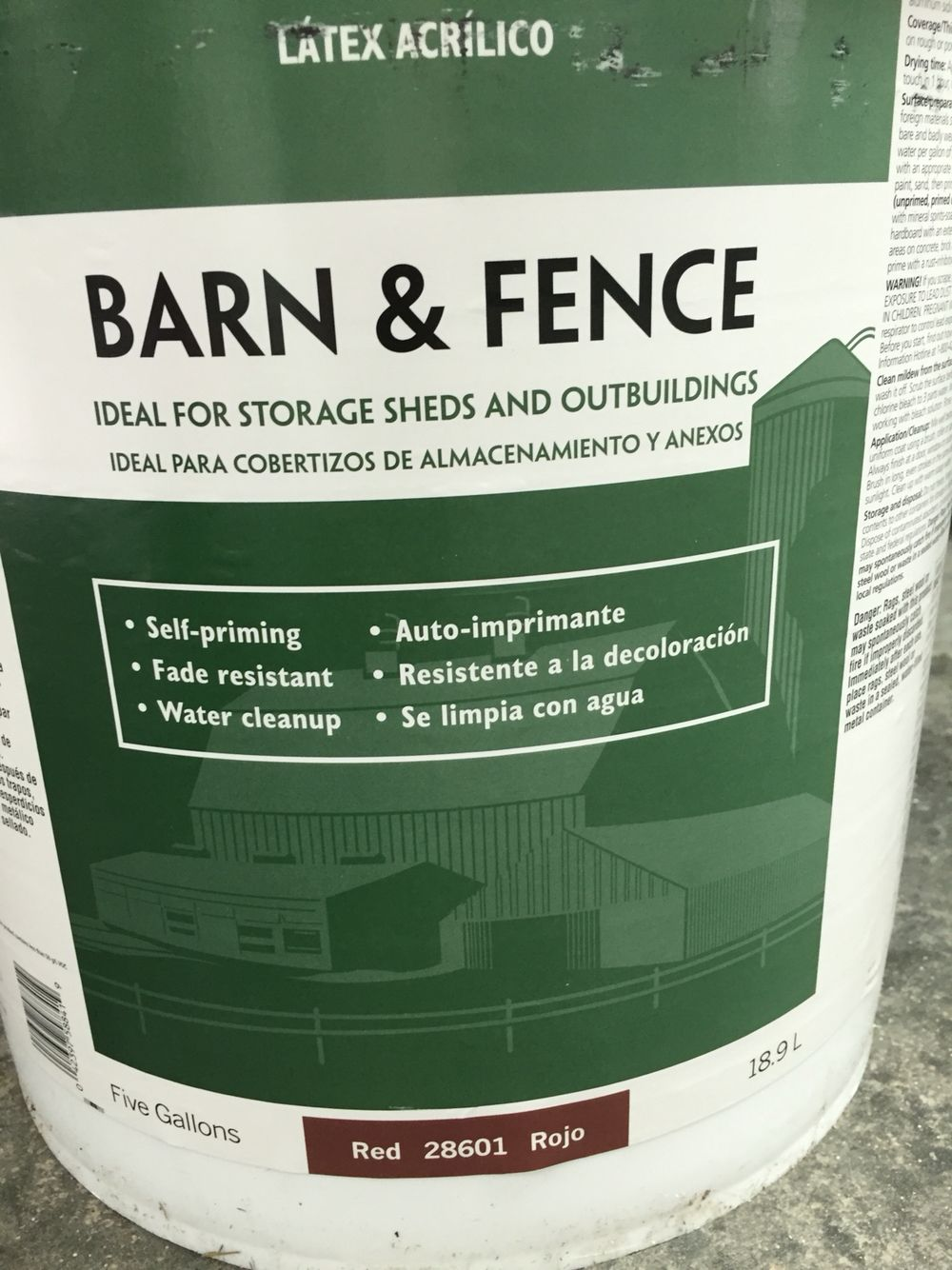 Valspar Barn And Fence Paint In Red 28601 The Color We