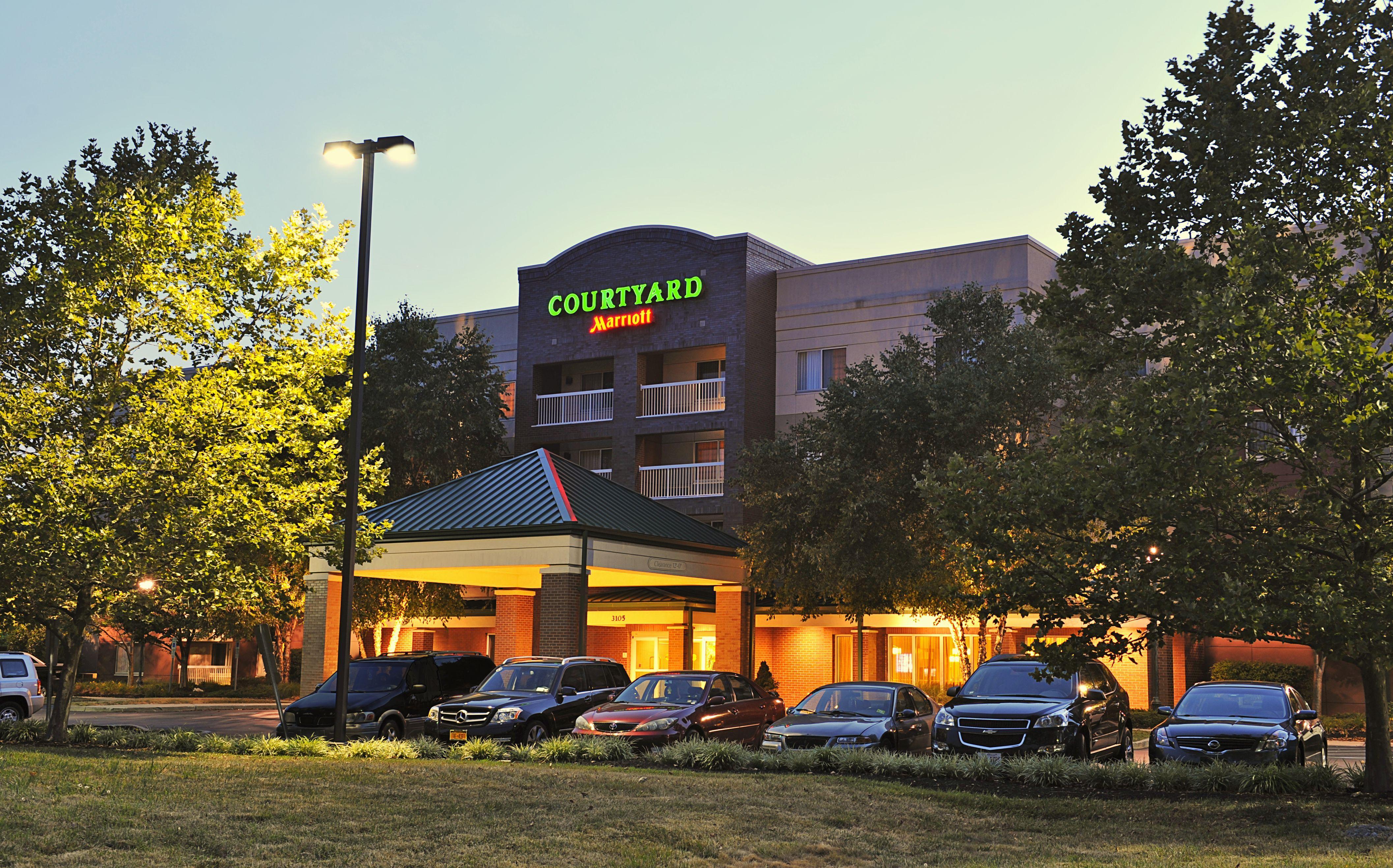 Courtyard Edison Woodbridge Updated 2018 Prices Hotel Reviews Nj Tripadvisor Courtyard Wood Bridge Hotel Edison