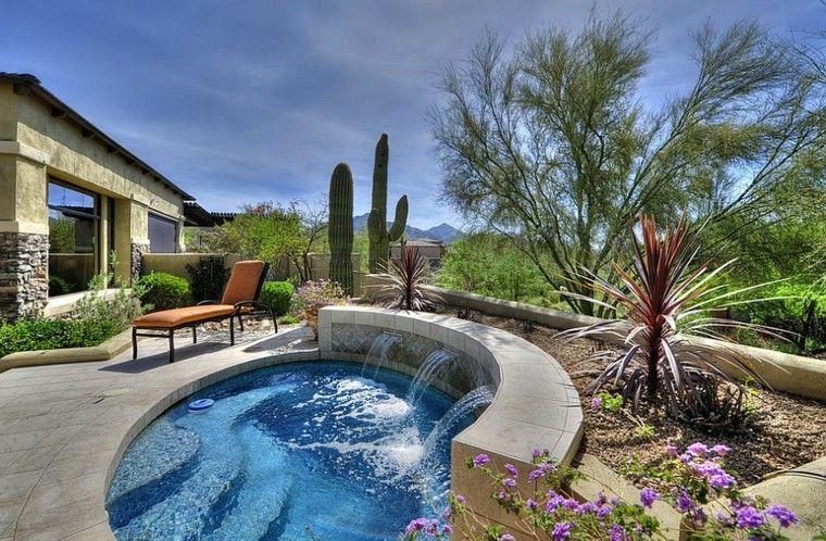piscinas redondas pequeñas con fuente #casasdecampoconalberca