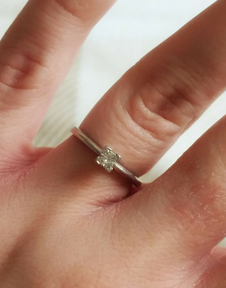 Platinum Diamond 0 25 Carat Solitaire Engagement Ring Used Size J 1 X2f 2 Box Included Solitaire Engagement Ring Diamond Solitaire Rings Diamond Solitaire