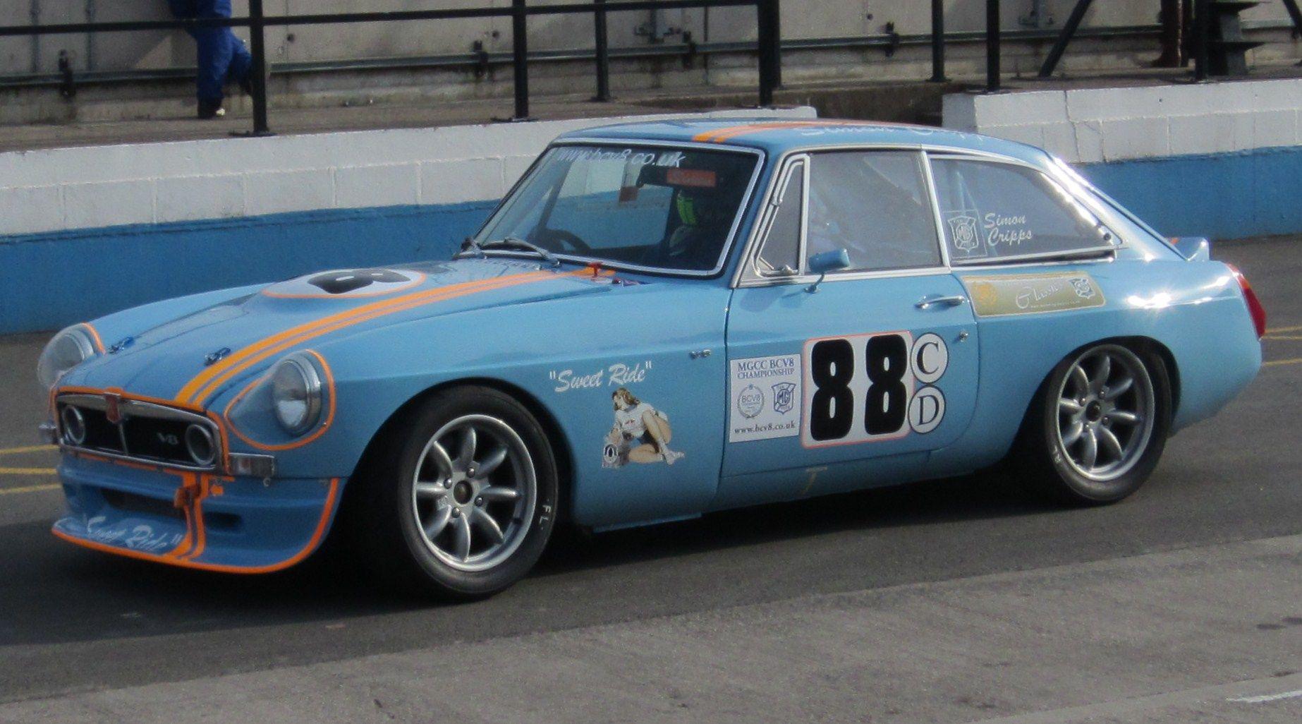 Class C - Full race MGB GT V8\'s and MGC\'s | MGB GT | Pinterest ...