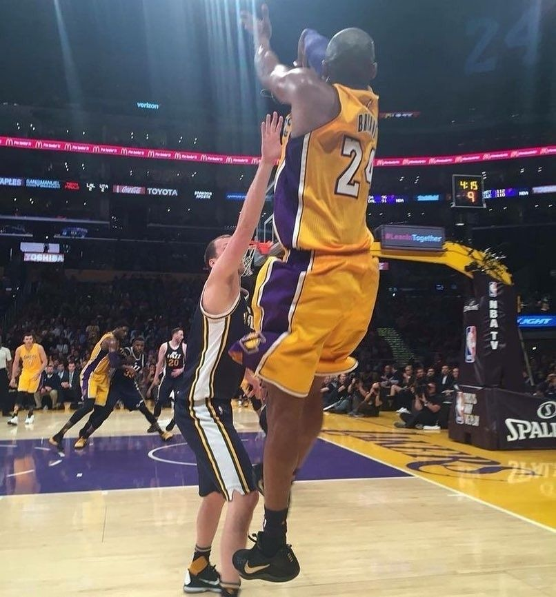 Kobeout Regram Highestlights Guess When Where Game This Photo Was Taken Highestlights For More Kobe Bryant Pictures Lakers Kobe Bryant Lakers Kobe