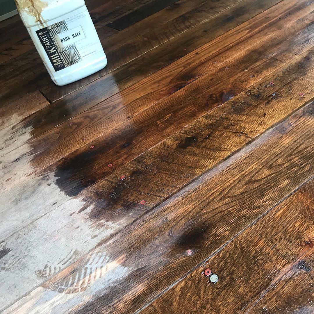 This Old Dried Out Rough Sawn Oak Deck Is Coming To Life Reimaginedsurfaces Shared This Photo Of Applying Dark Half Real Milk Paint Milk Paint Pure Tung Oil