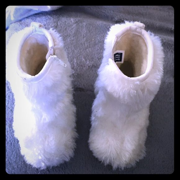 Baby Gap Faux Fur Boots Baby Gap Faux Fur Boots size 4 toddler GAP Shoes Ankle Boots & Booties
