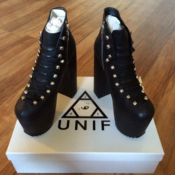 Like New UNIF Hellbounds w/ 3 sets of laces These are in amazing condition and have been sitting in original packaging and box the past 9 months, worn only once! All 3 laces included, only wore out w/ tye dye and try on at home with other two. Only flaws are small knick on one heel and smudge on inner boot- tried to point out in pics but they're not noticeable when wearing them. I hate to see these go, but they deserve a home where they get more use! NO trades but will accept reasonable…
