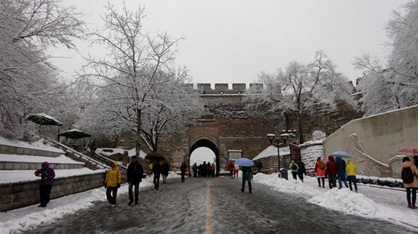 Badaling section of Great Wall in Beijing partly opens(1) |Great Wall Badaling Weather