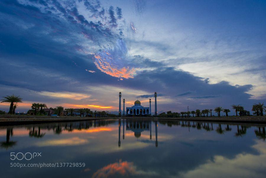 Hat Yai under sunset by Jeremy-Ducrot. @go4fotos