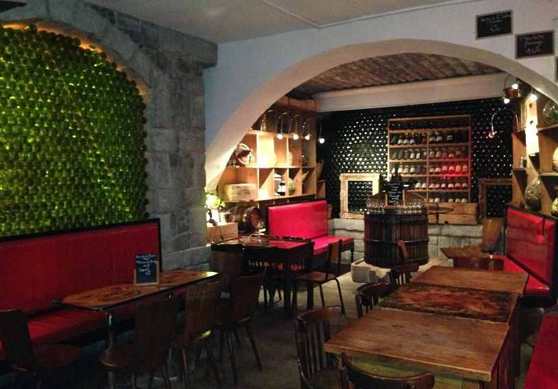 Cave d\'à côté, Lyonnais wine bar | Lyon | Pinterest | Lyon, Wine ...