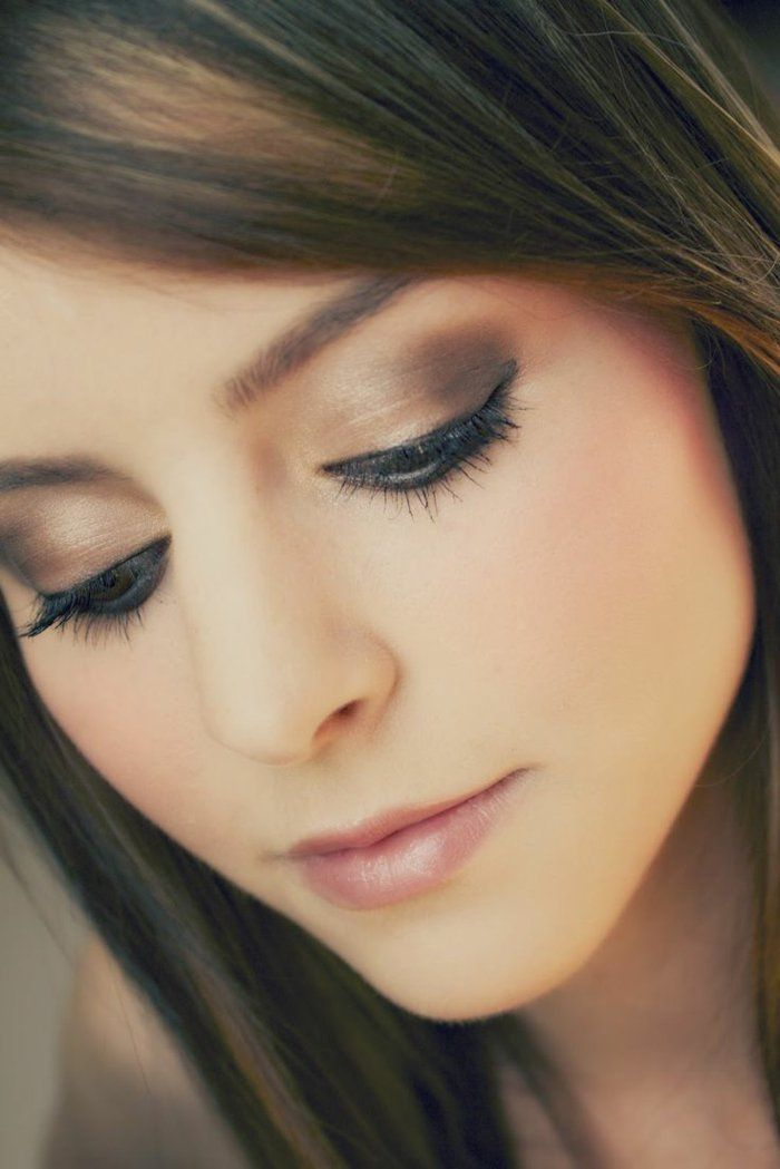 Beauté le maquillage yeux marrons